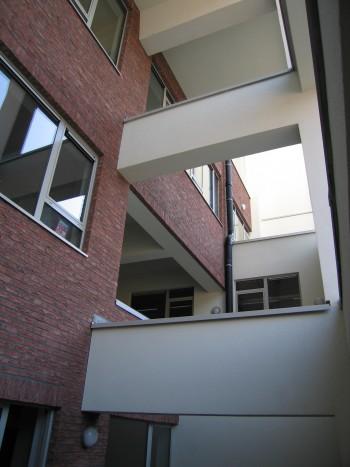 Koninklijk Orthopedagogisch Centrum Antwerpen patio (vergrote weergave in fotogalerij)