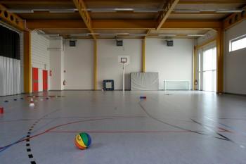 Koninklijk Orthopedagogisch Centrum Antwerpen opsplitsbare sportzaal (vergrote weergave in fotogalerij)