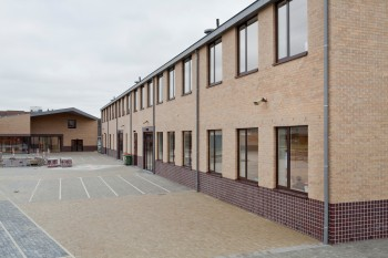 Basisschool De Driehoek Bocholt - buitenaanzicht (vergrote weergave in fotogalerij)