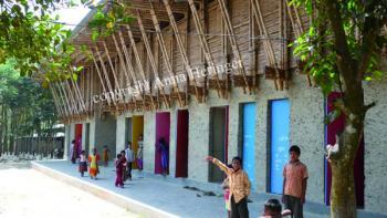 METIschool Rudrapur terras (vergrote weergave in fotogalerij)
