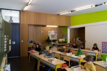 De Klare Bron Primary School Heverlee internal view on the classroom (vergrote weergave in fotogalerij)