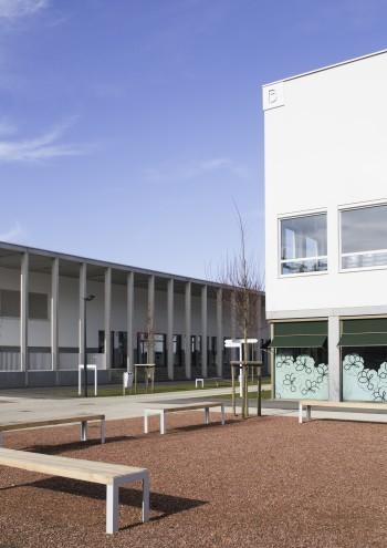 Scholencampus Beringen - Buitenaanzicht (vergrote weergave in fotogalerij)